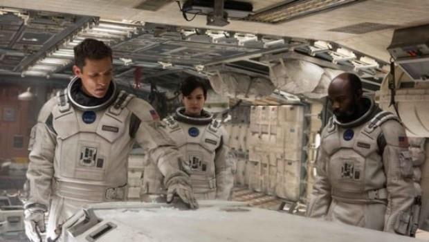 讓人類像電影「星際效應」一樣冬眠?科學家:有可能,但會很臭!