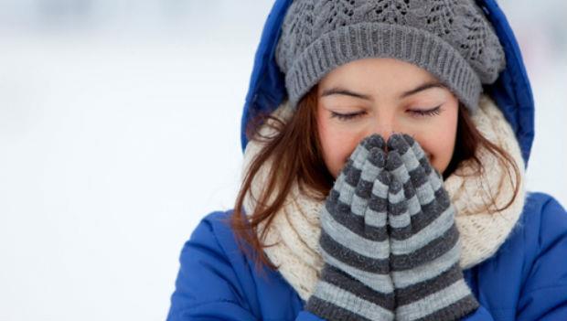 「暖暖包」竟能治便秘!這樣用,肩頸僵硬、水腫…7個惱人症狀全沒了