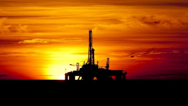 油價大跌,想逢低買進能源股?專家:你該鎖定這些公司! - 商業周刊