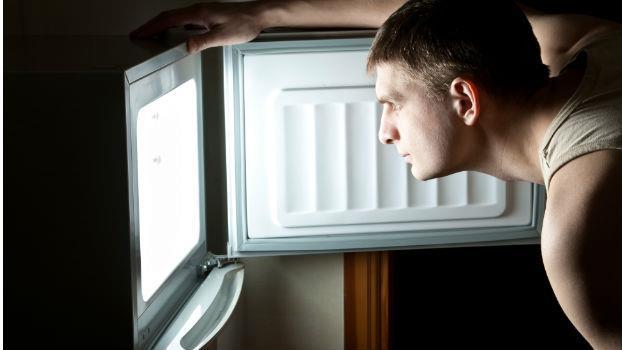 偷看省錢達人的冰箱,赫然發現...有錢人果然跟我們想的不一樣! - 商業周刊