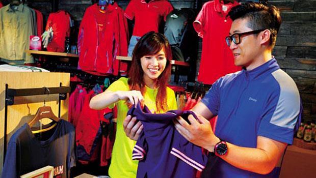 自創品牌哈克士,有助銘旺實與客戶溝通,目前兩岸共26家門市,今年營收目標破億。