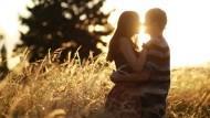 90%的人都有的疑問:該跟另一半坦白過去的戀愛史嗎?