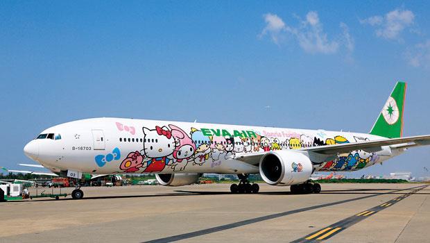 長榮航去年客運量年增1成,Hello Kitty彩繪機繼飛日韓等地後,也延伸至歐美,市場反應不錯。