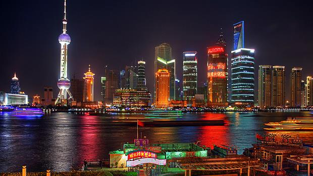 上海上班族的小確幸》天天名車接送、奉茶、還送紅包....台灣做得到嗎?