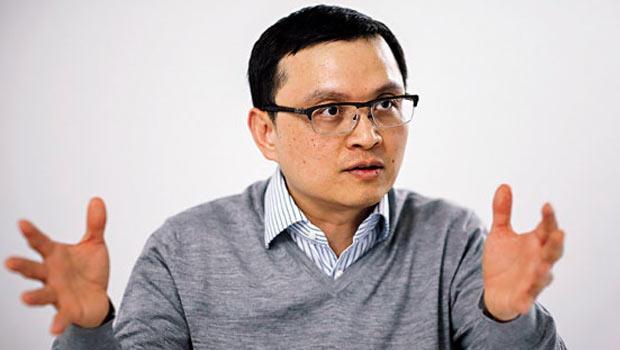 宏達電全球業務總經理暨財務長-張嘉臨