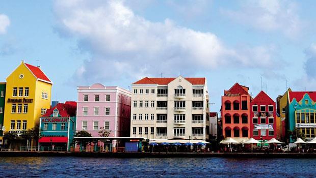 古拉索的建築混合荷蘭及西班牙殖民時期風格。