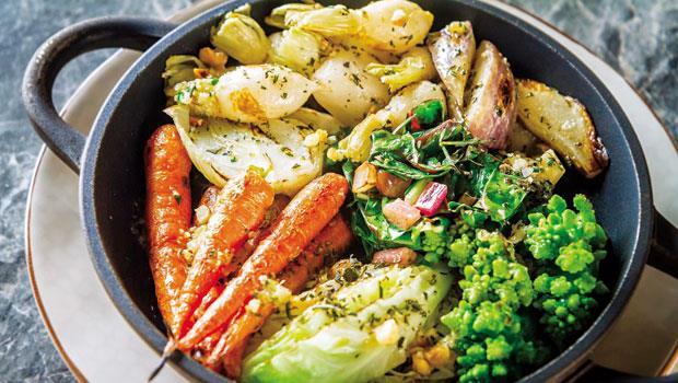 「驢子餐廳」的烤蔬菜,紅蘿蔔、蕪菁、鑽石花椰菜等全來自農場的新鮮食材。