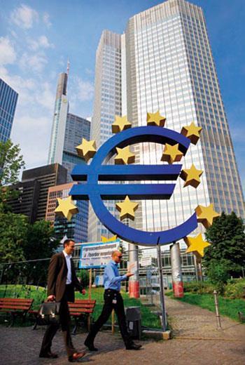 歐洲企業的海外營收占比逾5 成,在低利、低油價與弱勢歐元激勵下,專家預測,歐股會再創新高。