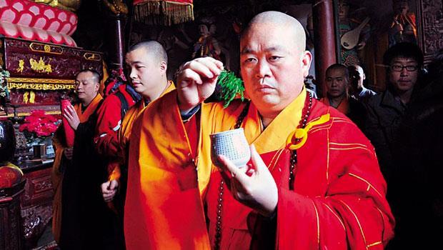 「中國能引進迪士尼,外國為何不能引進少林寺?」釋永信如此為少林寺的全球化辯解。