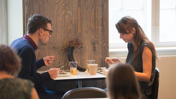 「男友和前女友吃飯,我該生氣嗎?」科學告訴你為什麼先別氣! - 商業周刊