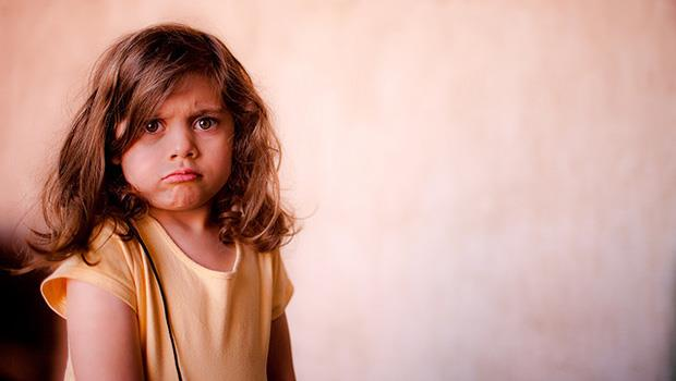 小孩鬧脾氣、講不聽?腦科學家:幼兒的大腦就像爬蟲類,讓孩子停止哭鬧的方法...
