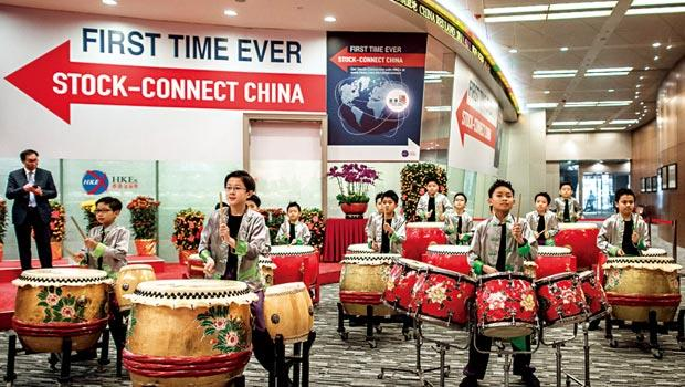 4月8日資金由中國流向港股,造就7 年來最大漲幅。
