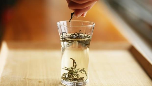 手搖茶驗出農藥》別泡超過24小時!茶專家教你自製安心喝的「冷泡茶」