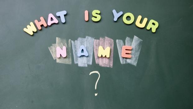 初次見面,千萬別問What's your name?》這4句英文一說出口,馬上讓你變冷場王