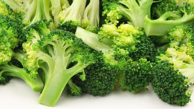 青花菜是「血液清道夫」!美國權威醫師:吃3類食物防失智、提升記憶力