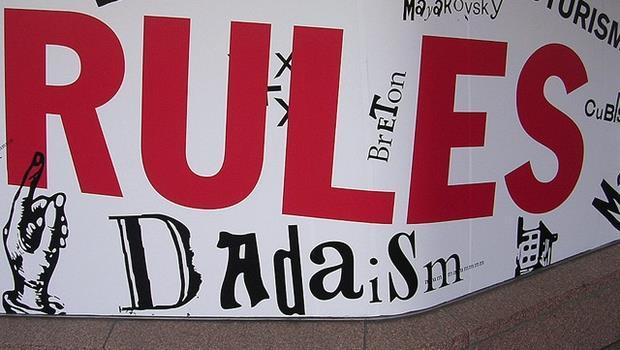多益必考!從阿帕契事件,學「遵守規定」的7種英文說法