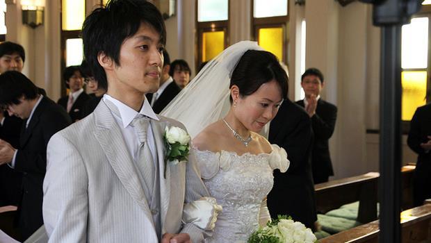 一場感人的婚禮,卻因為爸爸說了這番話,讓新娘氣到哭出來....