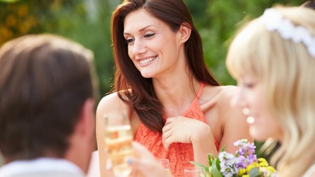 前夫成了閨蜜的新郎,為什麼她卻願意主動當伴娘?