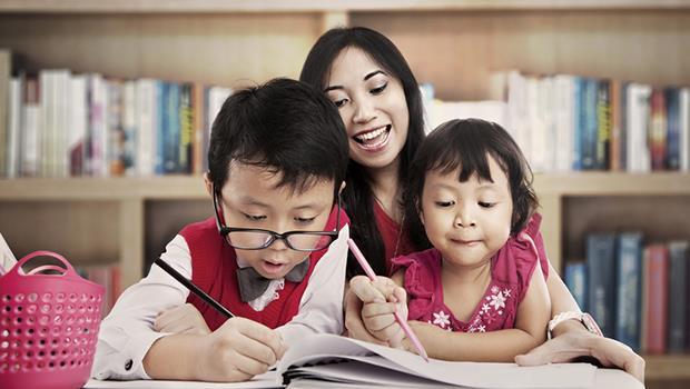 「只要你考前三名,媽媽就很高興了」對孩子說這句話,讓我遺憾了15年 - 商業周刊
