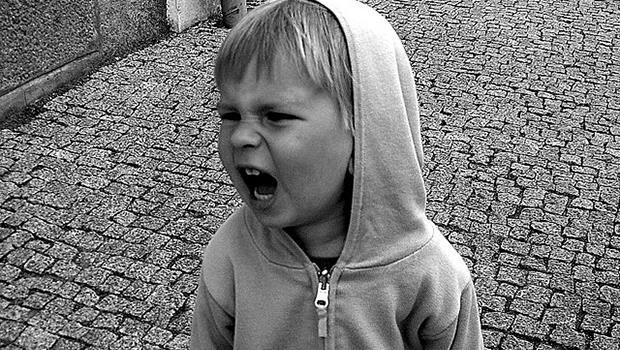 小孩老是搗蛋、發脾氣?5個訣竅讓爸媽不用煩惱小孩的「叛逆期」