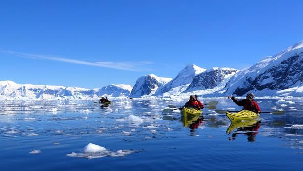 勇闖北極.探索南極