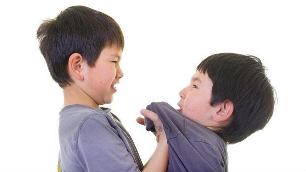 「我的孩子被霸凌了嗎?」精神科醫師教父母7點觀察