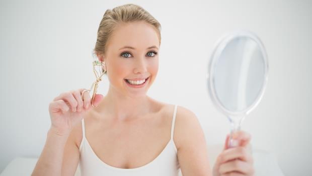 讓睫毛濃密的小秘訣居然是爽身粉!一次公開,27個網路瘋傳的睫毛膏秘技