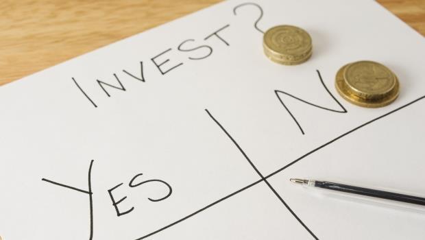 要有多少錢,才能開始買股票?答案:存到「一年的薪水」再說