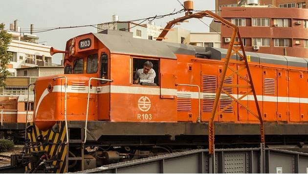 從台鐵叫賣便當的方式 就知道台灣是個欠缺「生活美感」的地方