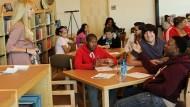 這間美國貧民區的高中校長,在每天放學前的廣播,對學生說「這句話」改變了他們的一生