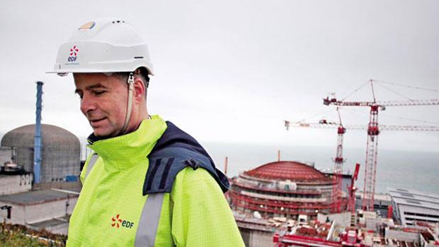 法國電力加薪1萬歐元,對工薪低於上班族3成的公務員而言堪稱超激勵。