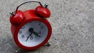 """6個最常搞錯的問句》在路上被問Do you have """"the"""" time,究竟該怎麼回答?"""