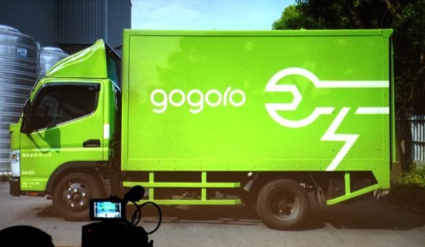 號稱「愈騎愈新」!Gogoro售價12萬8千元,騎兩年比汽油摩托車划算? - 商業周刊