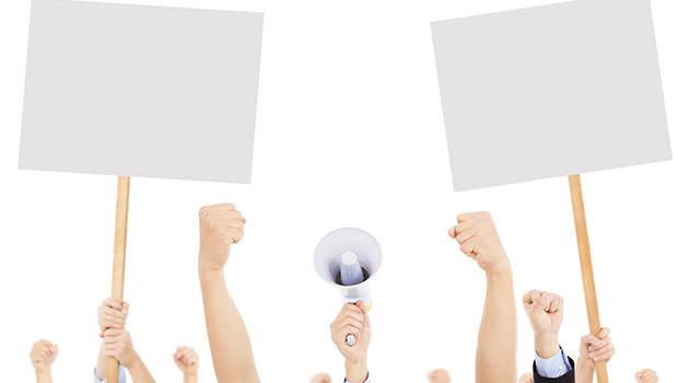 公民課可以談統獨議題嗎?「課堂上不談論政治」就是一種反教育
