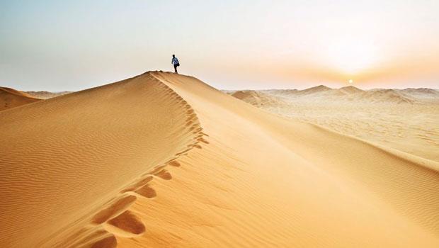 循著英國傳奇探險家沙沙的腳步,踏進阿曼的空漠。