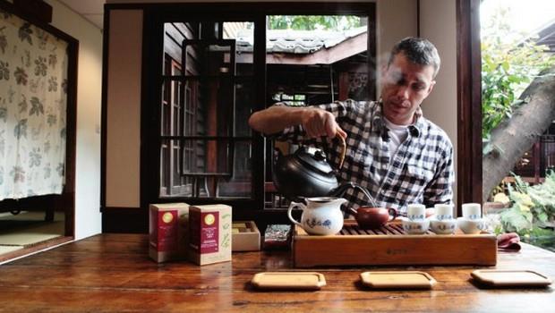他戒了可樂30年不成功...最後卻迷上台灣茶,並把它賣上阿爾卑斯山 - 商業周刊