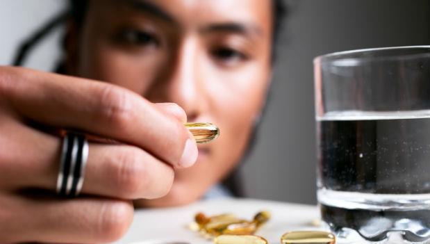 西藥傷胃,所以一定要配胃藥?40年資深家庭醫師告訴你:正確用藥9大觀念