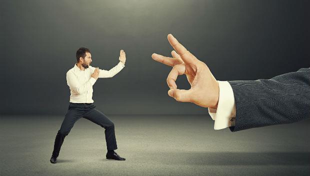 老是有公司前輩硬凹你多做事?職場菜鳥的3種自保法