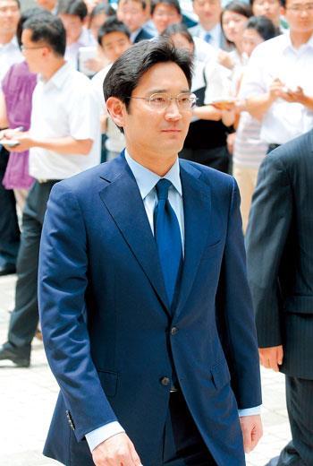 47歲李在鎔的時代來臨,首要之務是解決三星集團業績不振。