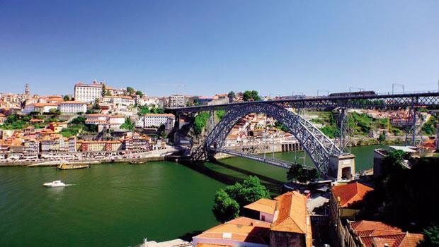 波多對岸的蓋亞新城(Vila Nova de Gaia)是波特酒集散中心。