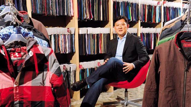 得力第二代、取得美國雙碩士的葉家銘,進公司9年來,已率公司研發團隊新開發出上萬組布料,其中機能布高達85%。