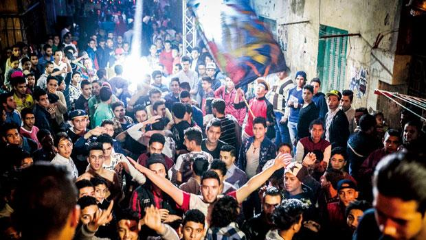 在埃及,舉辦一場婚禮有如開派對,賓主經常熱舞到深夜還不歇散。