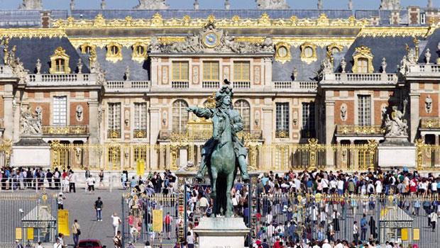 歐元貶值帶動出口與觀光收入大幅提升,赴歐的機票與當地飯店出現搶購潮,連凡爾賽宮都要觀光客延後到訪。