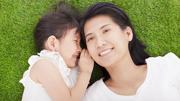 台灣的父母會教小孩說「這是車子、筷子」,卻不教孩子說「心裡的感覺」