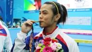有影片》金牌的背後,是一雙滿是厚繭的手...打破世界紀錄的台灣舉重女孩