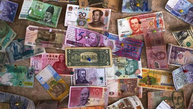 人民幣一天急貶2%,台幣跟著貶,你應該怎麼辦?