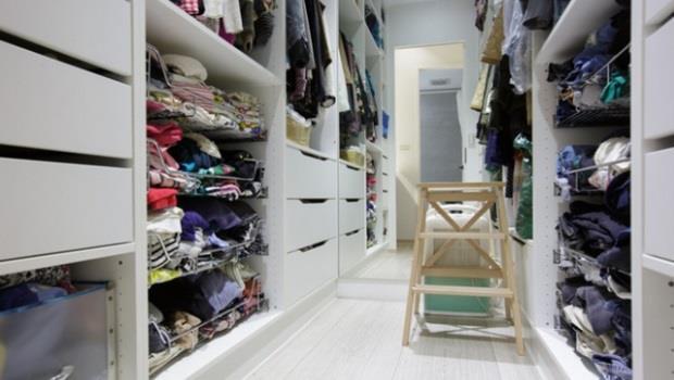 衣物爆量怎麼辦?達人帶你走進設計師家裡學收納