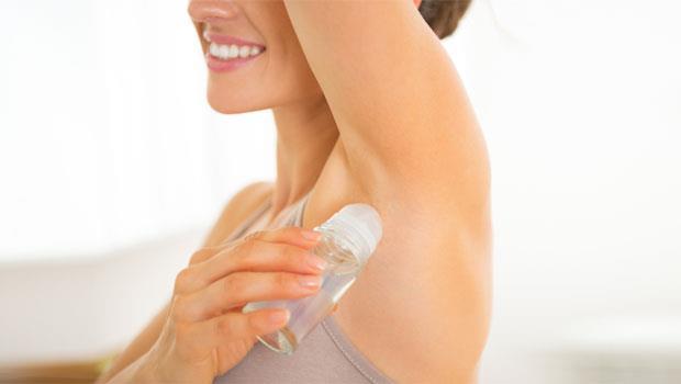 止汗劑你用對了嗎?不是出門或運動前使用,最好的時間是「晚上睡覺前」!