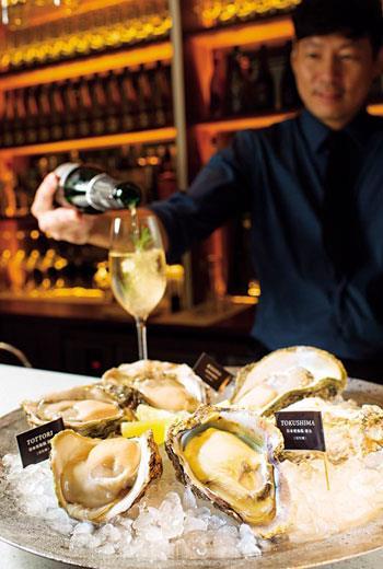 結合香檳、調酒與生蠔的「生蠔吧」(OysterBar)