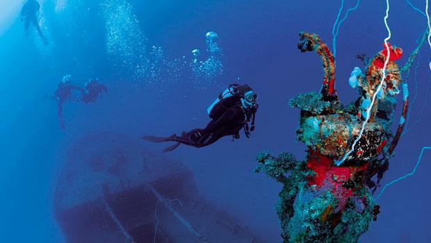 馬紹爾比基尼島海底的戰艦沉船,是過去美軍測試原子彈所擊沉的。
